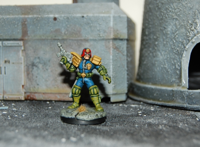 Wargames Foundry Judge Dredd painted according to the Kevin Dallimore tutorial -- a mini I painted some time back but a nice photograph, I think anyway...